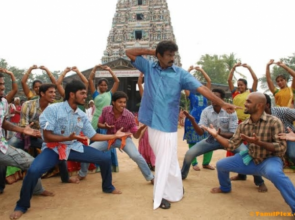 Goundamani Returns as a Hero.
